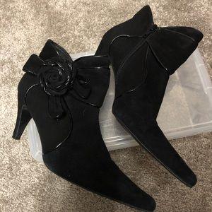 Costa Blanca black bootie size 8M